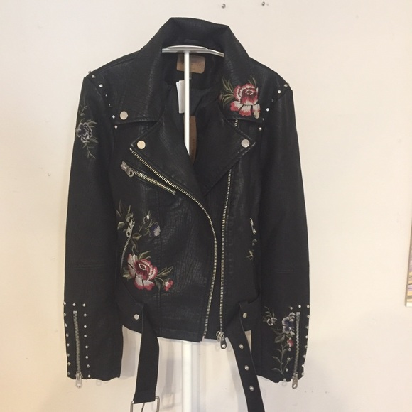 Driftwood Jackets & Blazers - Driftwood embroidered moto faux leather jacket M